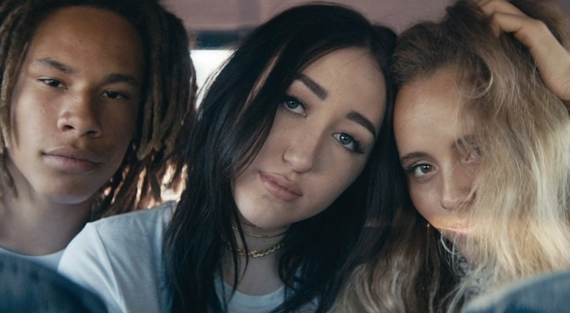 noah-cyrus-stay-together